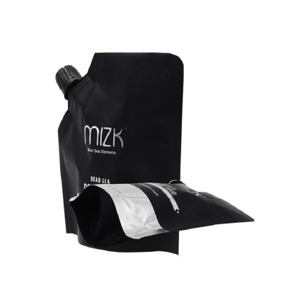 Shower gel packaging bag with nozzle